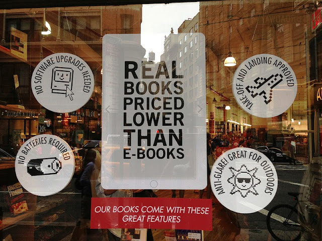How The Strand Sells Print Books And Novels To E-book Readers in NYC