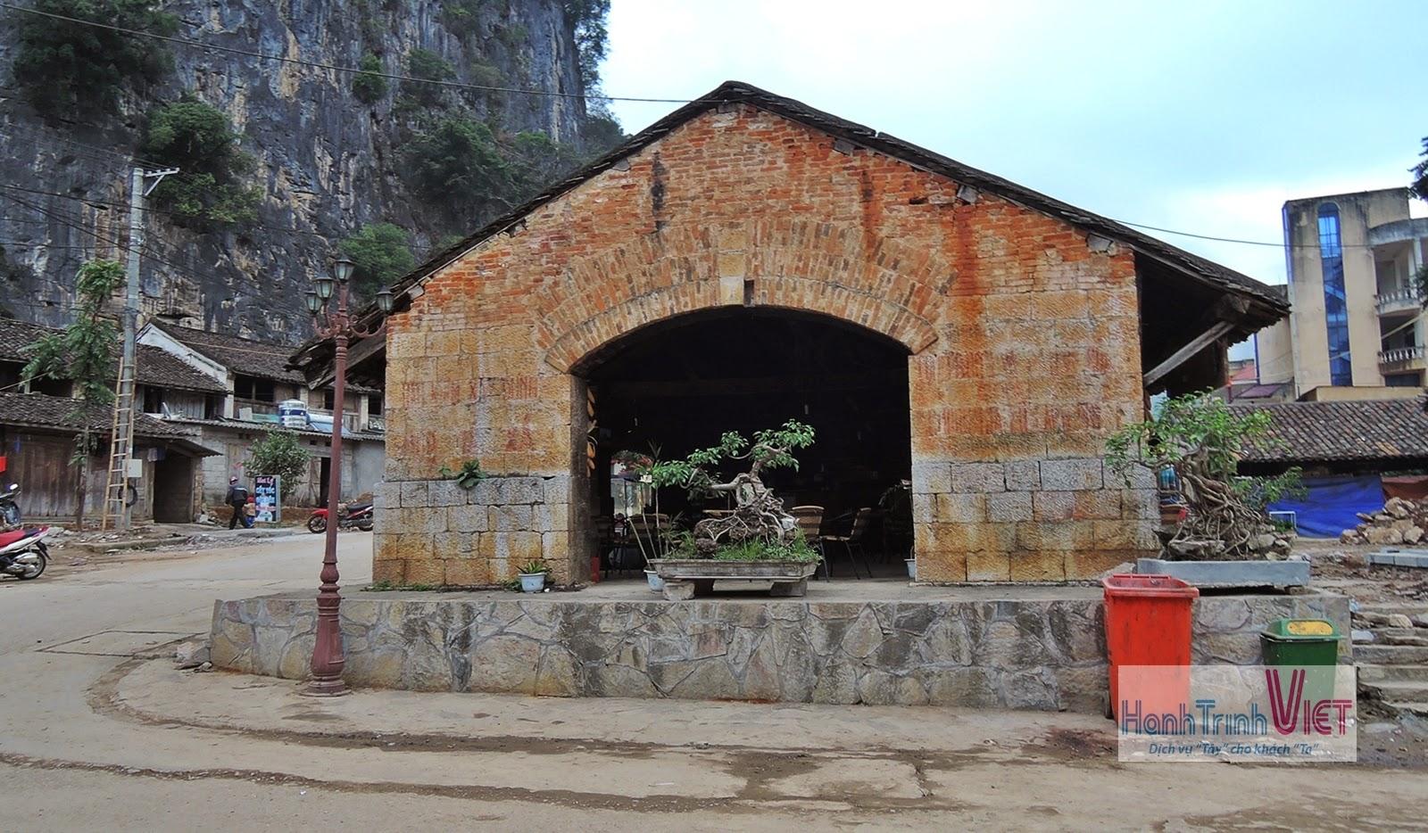 Dạo một vòng quanh thị trấn Đồng Văn