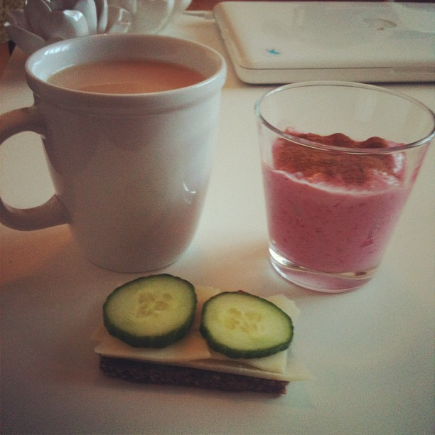 breakfast: raspberry apple smoothie, whole wheat bread with cheese and cucumber