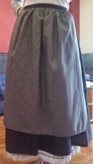 falda y mandil de traje de pixueta