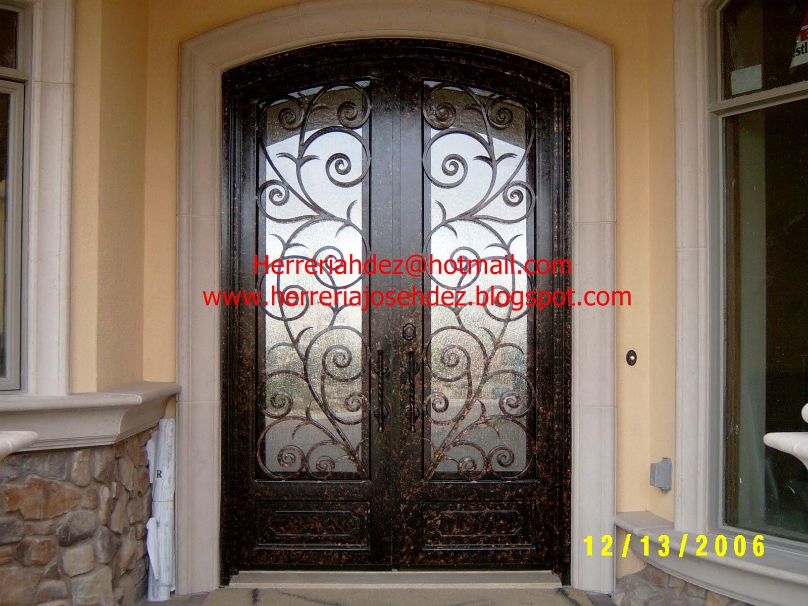 Herreria art stica hern ndez dale click en entradas for Puertas principales de herreria casas