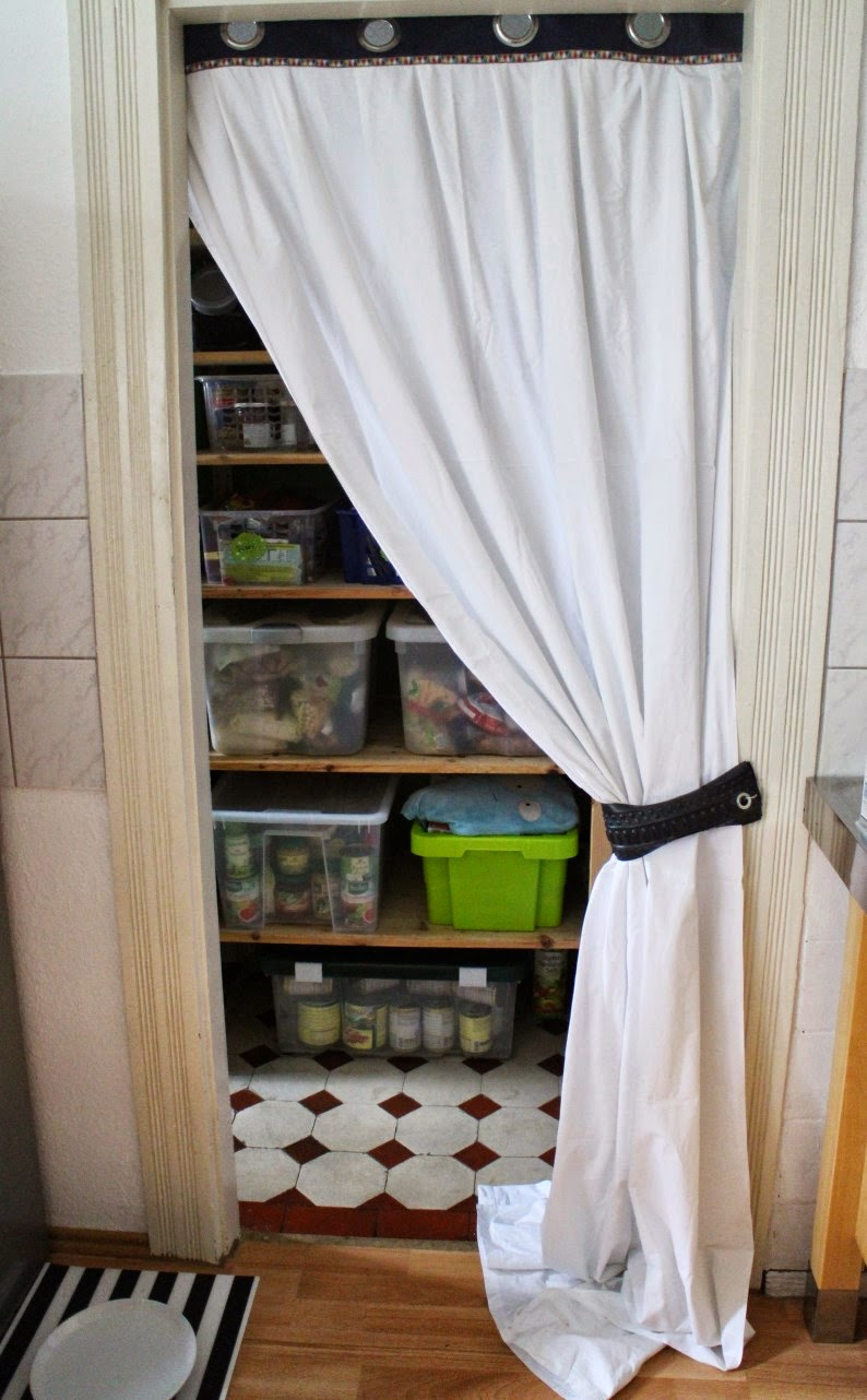 Upcycling Vorhang aus Laken, altem Vorhang und Fahrradschlauch