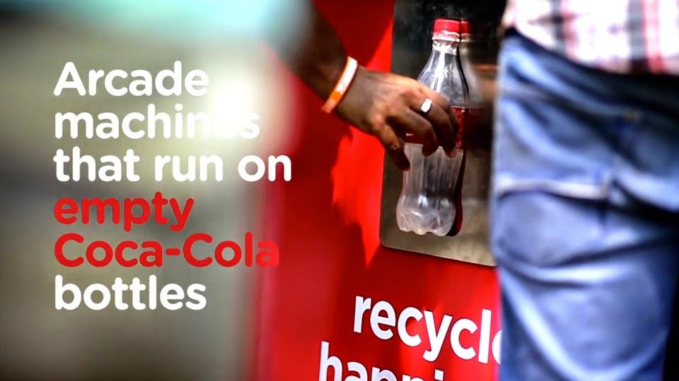 Coca-Cola cria fliperama ativado por garrafas vazias