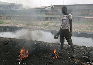 http://kairus.org/082014-artist-in-residence-agbogbloshie-e-waste-dump/