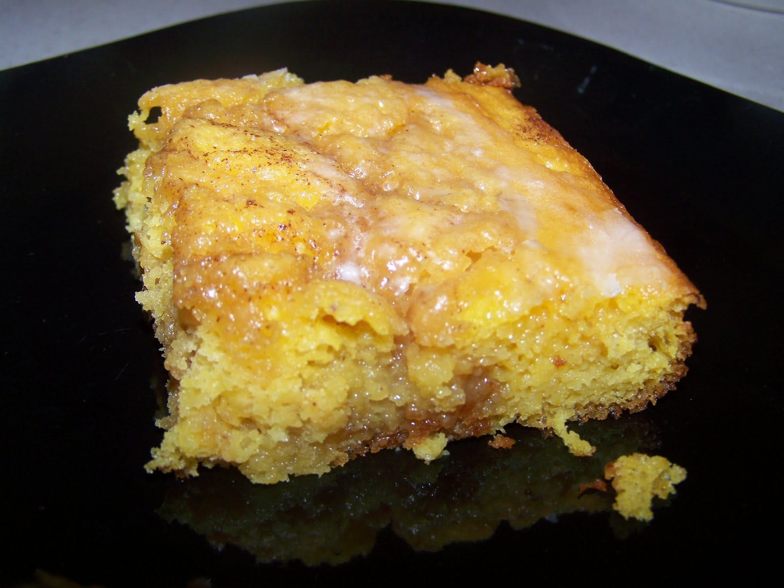 Smithalicious: Cinnamon Roll Pumpkin Vanilla Sheet Cake