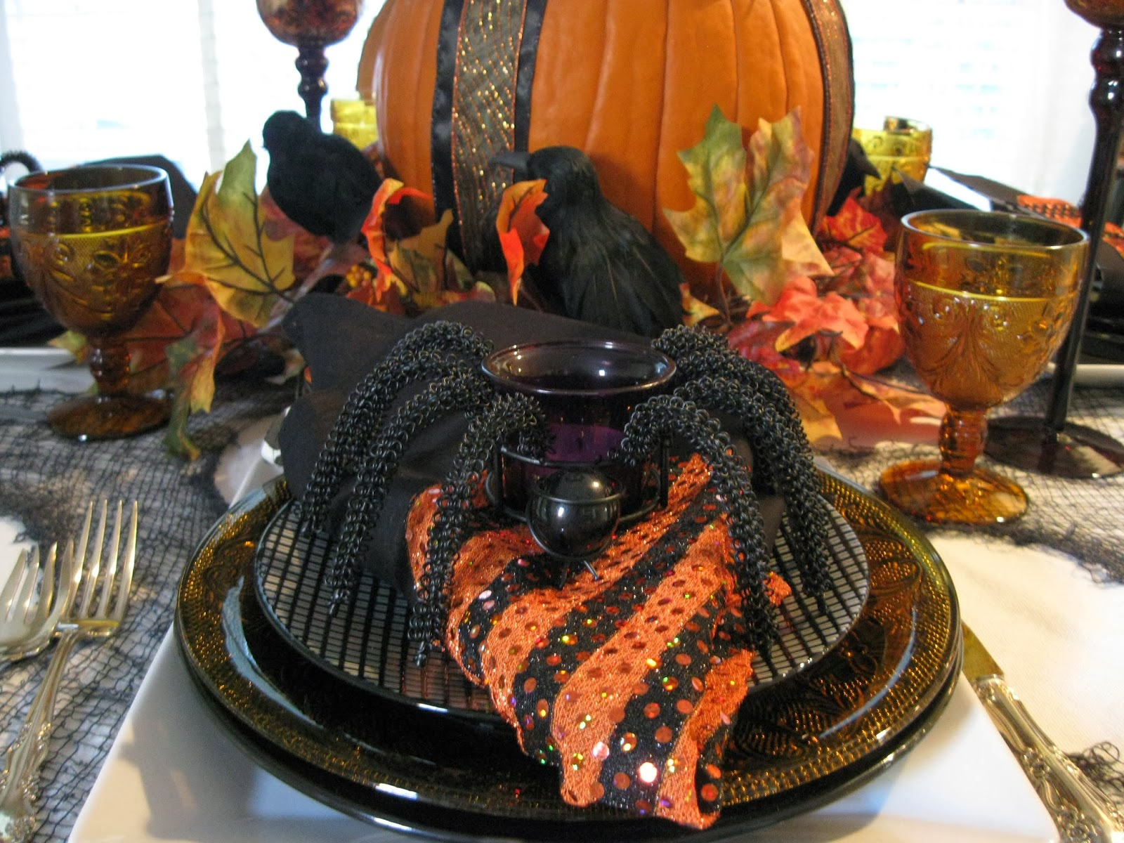 Halloween tablescapes - Happy Halloween