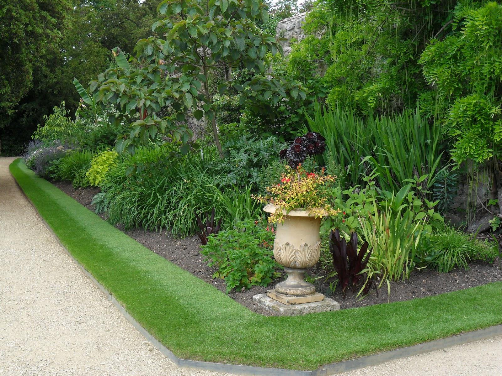 Worcester College Gardeners June 2012