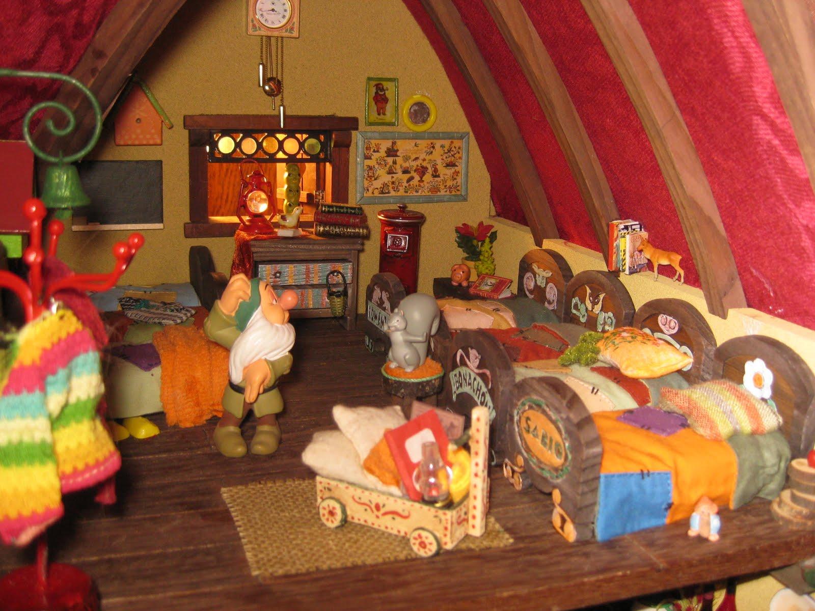Escenas sobre el libro y la literatura en miniatura - Casa de blancanieves y los 7 enanitos simba ...