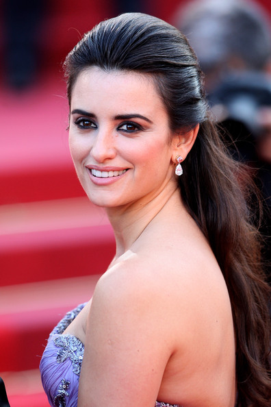 Penelope Cruz Hair, Long Hairstyle 2013, Hairstyle 2013, New Long Hairstyle 2013, Celebrity Long Romance Hairstyles 2139