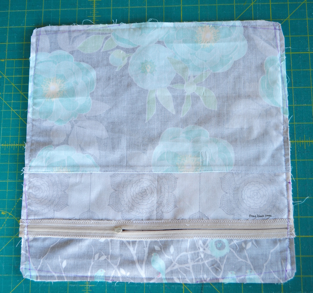 Decorative Pillow With Zipper : from blank pages...: Tutorial: Decorative Pillow Case with Hidden Zipper