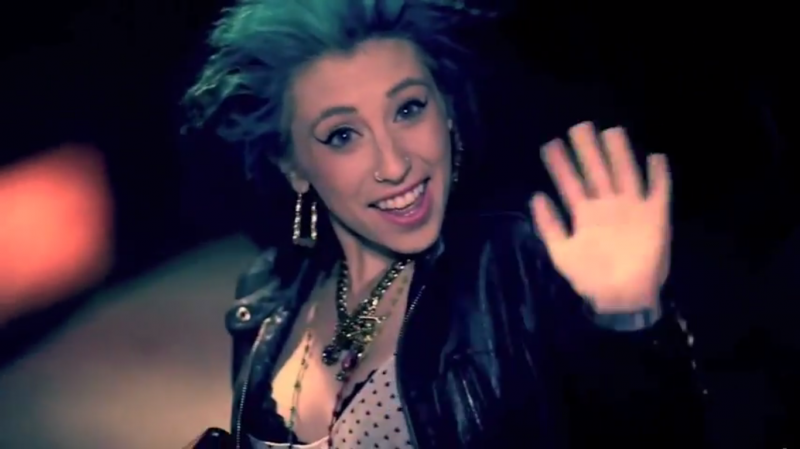 V Nasty And Kreayshawn ALL THINGS OUT THE BOX...
