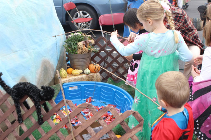 Trunk or Treat Idea fishing
