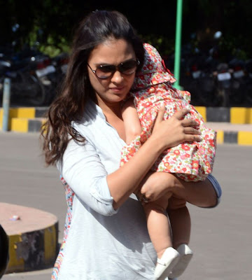 Lara Dutta with daughter cute Saira