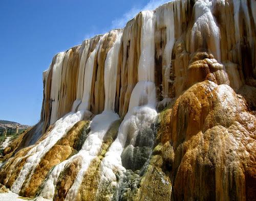 Cachoeira termal Hammam Meskhoutine – Argelia