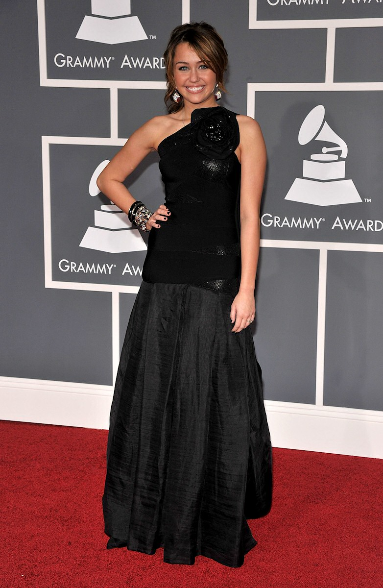 Red Carpet Dresses: Miley Cyrus - Grammy Awards 2009 Miley Cyrus Grammys 2013