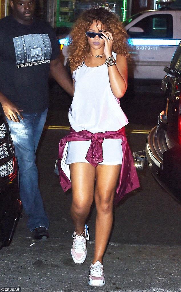 Girls' Night out- Selena Gomez or Rihanna?, hollywood, hollywood fashion, Selena Gomez in monochrome dress, sporty Rihanna, Indian fashion blogger, Chamber of Beauty