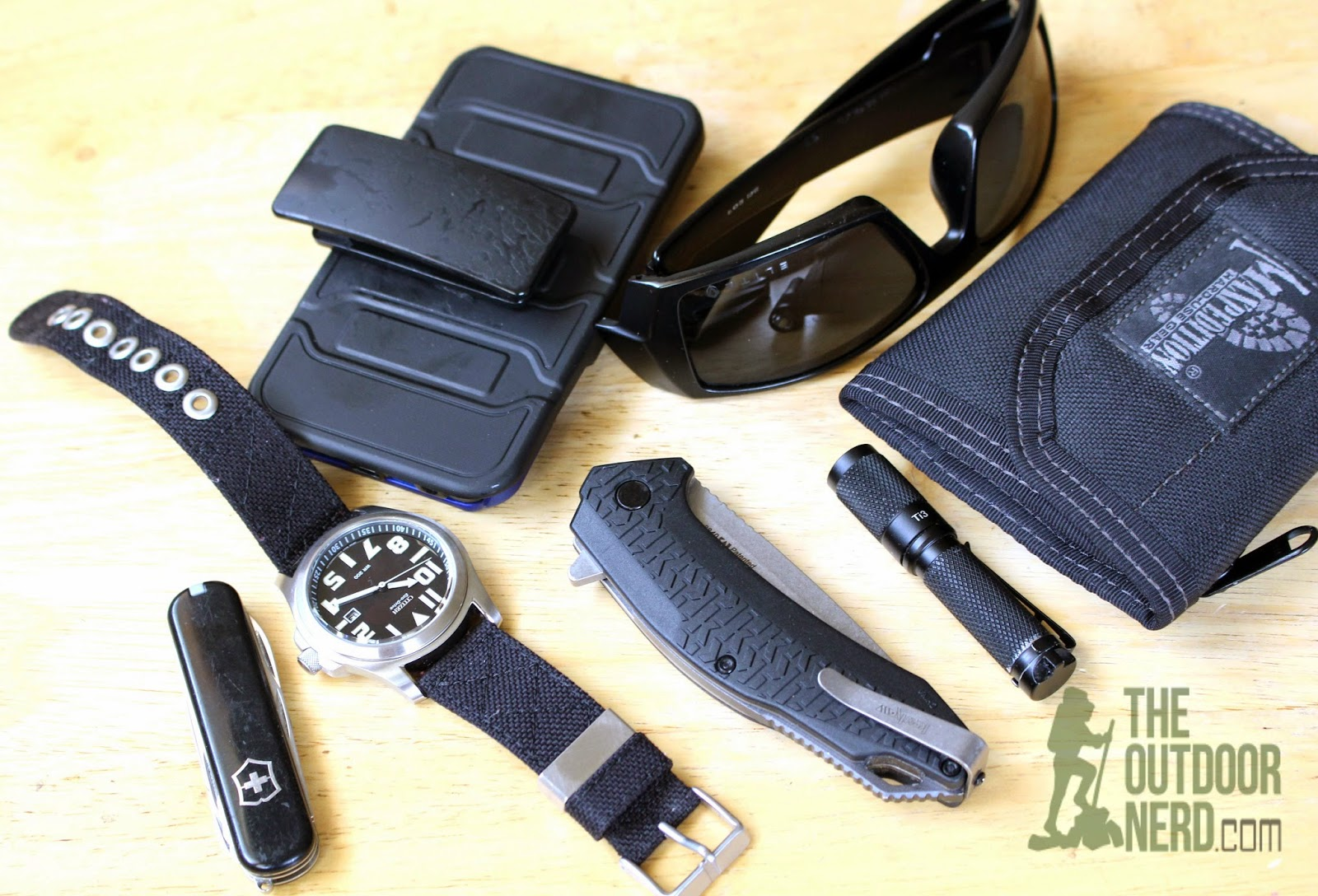 Kershaw Frefall EDC Pocket Knife - Caliper Measurement: Pocket Dump