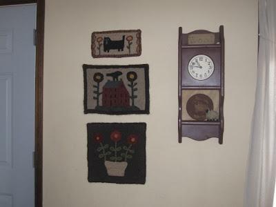 saltbox hooked mat,  cat hooked mat, antique flowers hooked mat