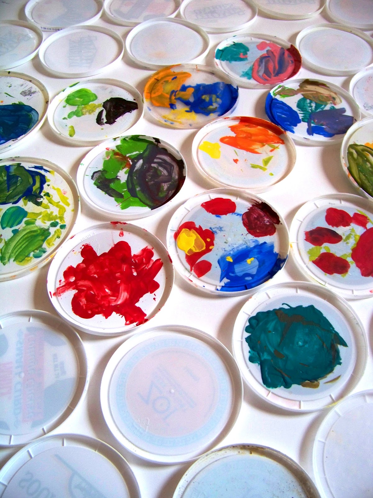 Reduce Reuse Recycle Lid Paint Palettes