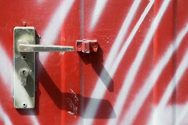 red caravan door