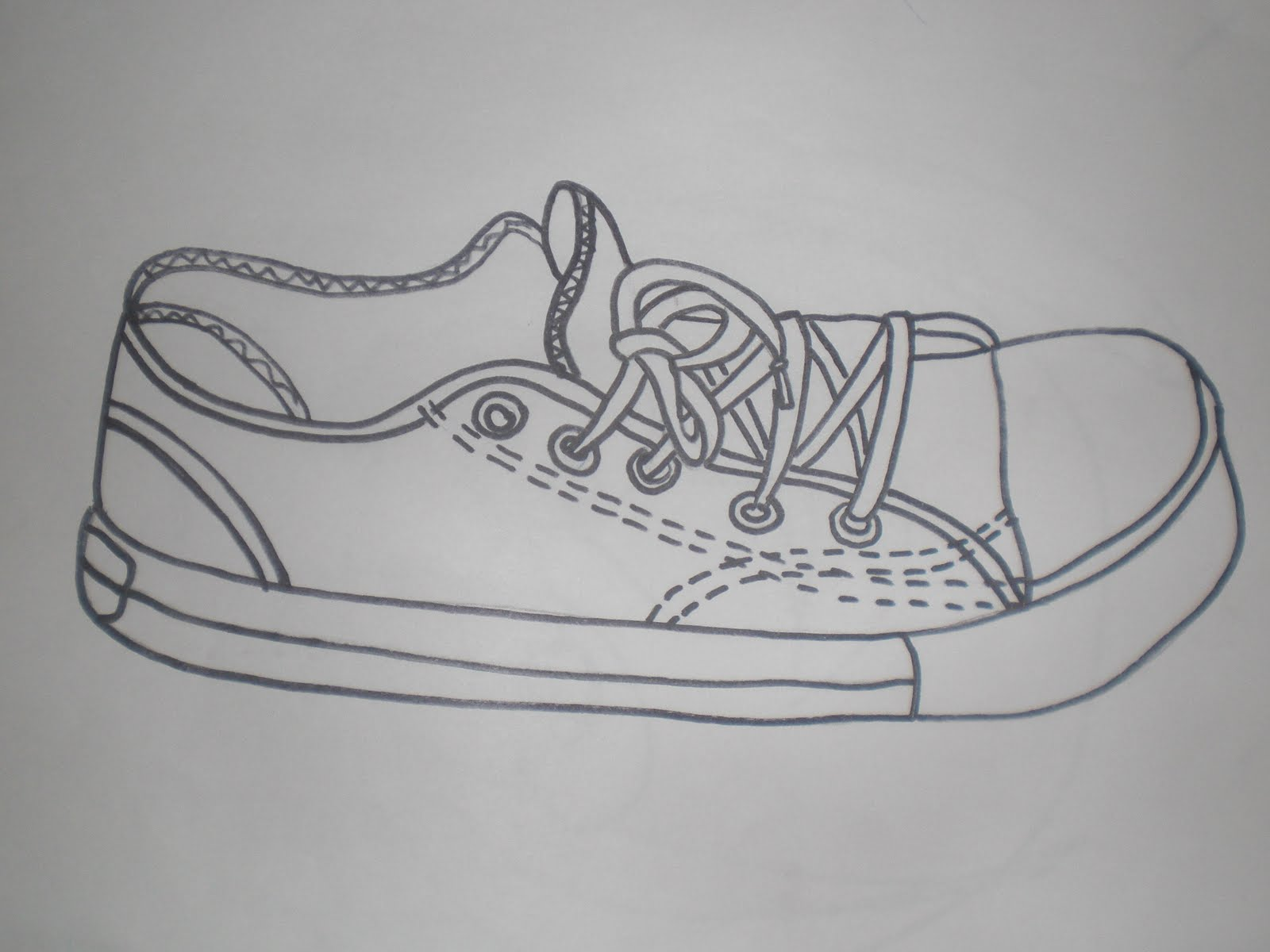 Line Drawing Shoes : Contour line drawing shoe imgkid the image kid