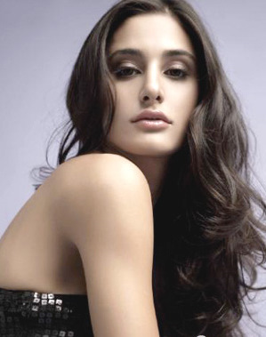 Nargis Fakhri Wallpaper