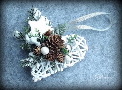 Świąteczne serduszka z papierowej wikliny