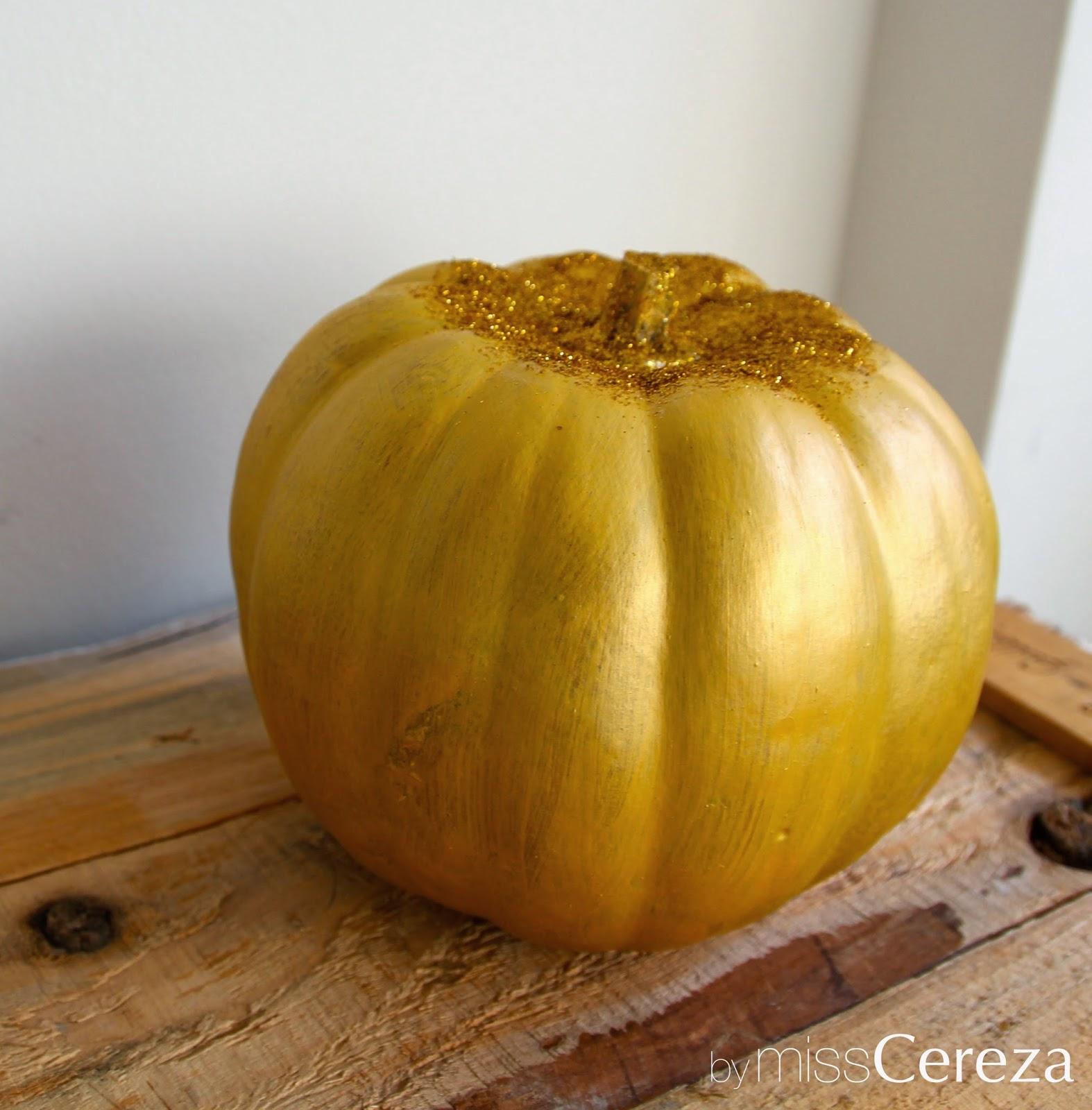 calabaza pintada en dorado