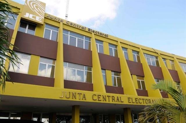JCE prohíbe a su personal participar en campañas