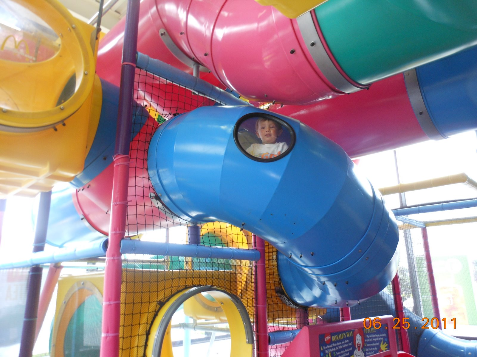 Fast Food Play Place Locator