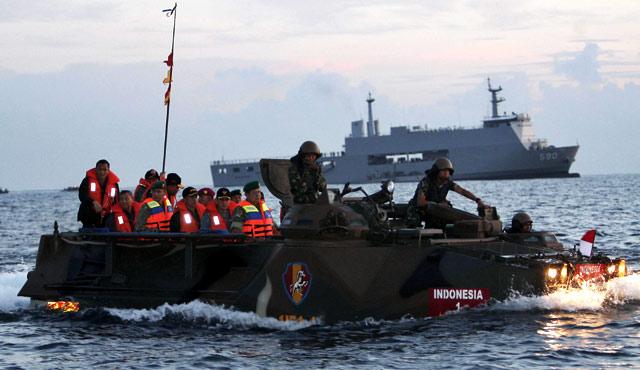 SBY Janjikan Modernisasi Alutsista TNI Tuntas 2014