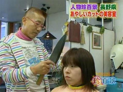 Potong rambut dengan pisau daging