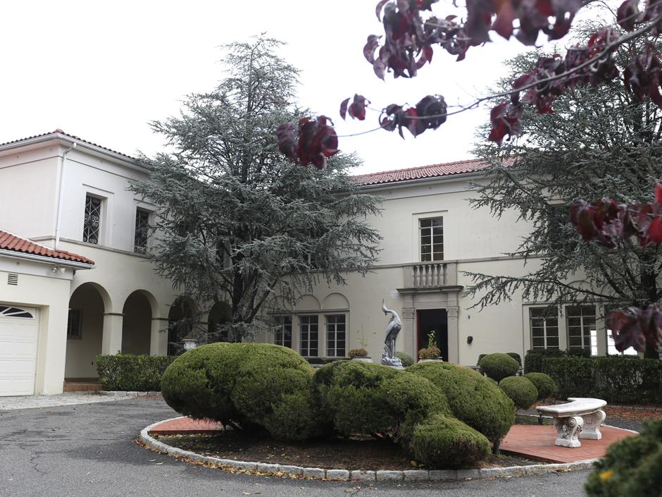 "Anastasia's Home with ""Strange Tiled Room"" for Sale"