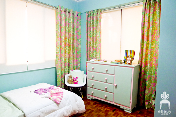 girl's room, blue and pink bedroom, paisley curtain
