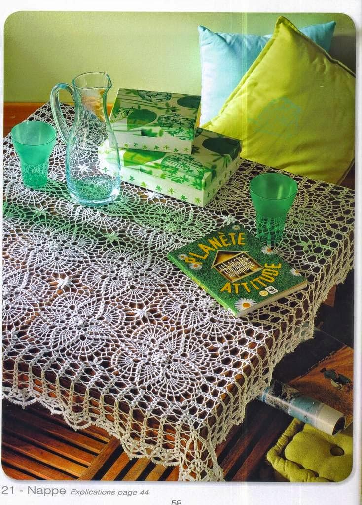 Hermoso mantel con cuadros tejidos al crochet