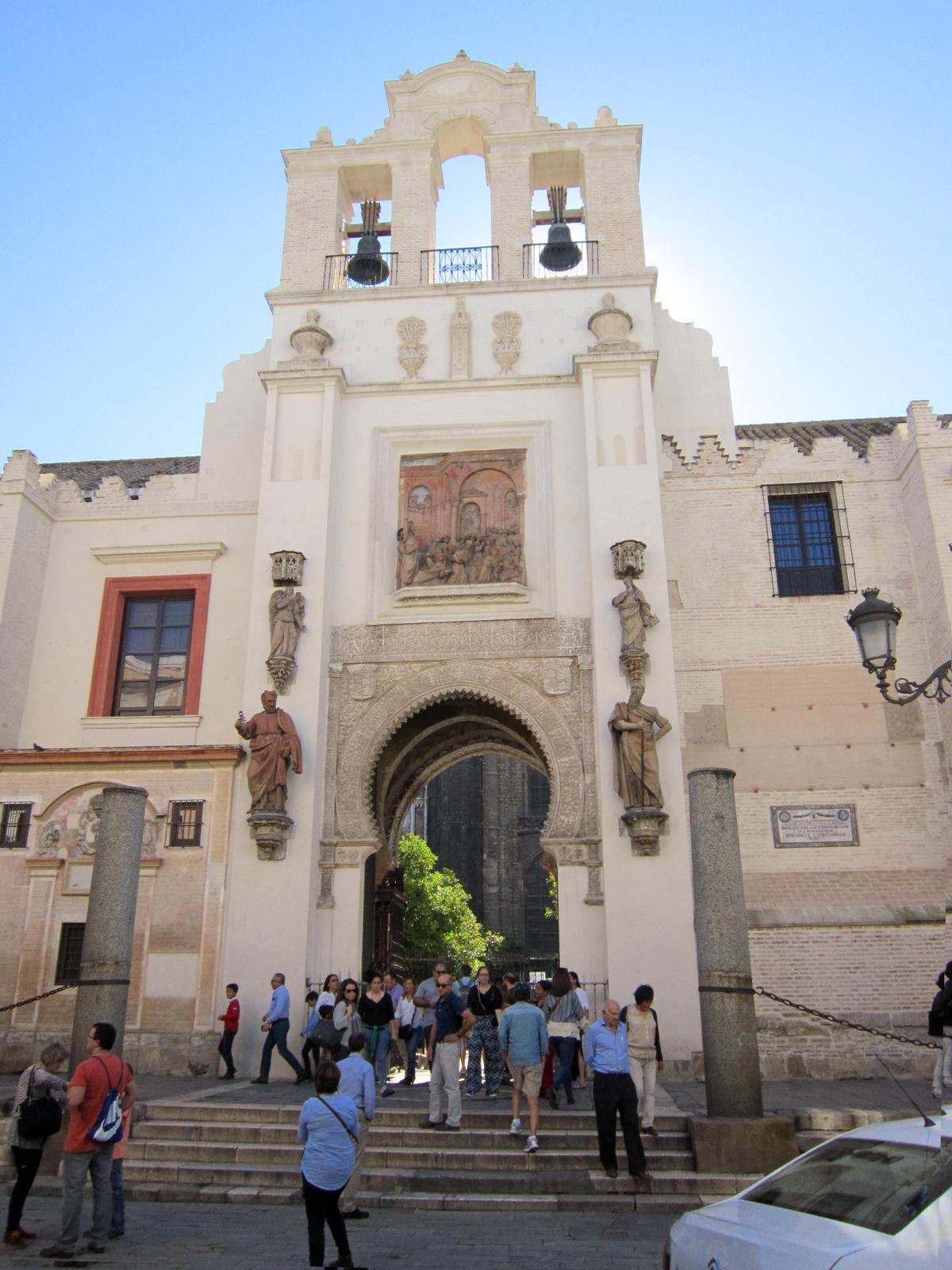 Sevilla vida y leyenda la catedral de sevilla la puerta - Puertas uniarte sevilla ...