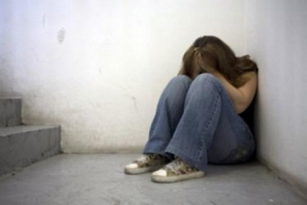 المهدية: القبض على 11 شابا تداولوا على اغتصاب فتاة