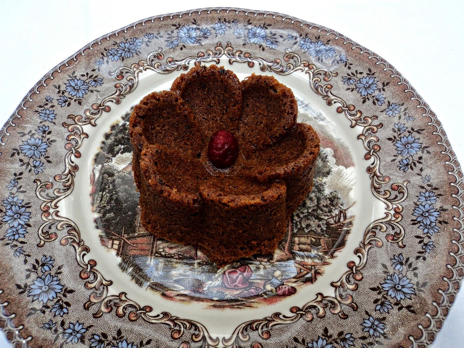 receta casera de bizcocho hecho con galletas y chocolate con oreo