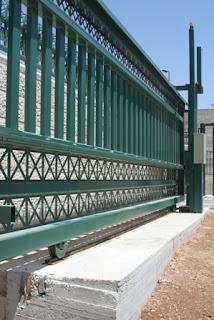 שערים חשמליים - שער נגרר של גורן ובניו