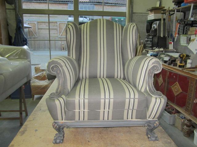 Stof Stoel Bekleden : Stofferen van stoelen en zetels: oude stoelen eigentijds bekleden