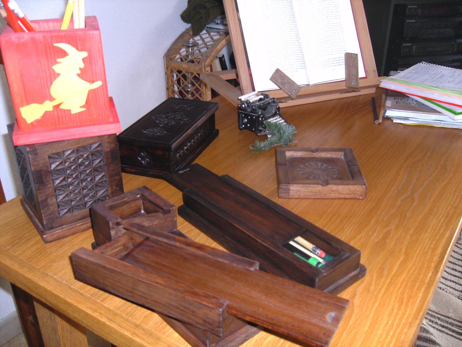 Objetos de escritorio en madera fotos - Como decorar un joyero de madera ...