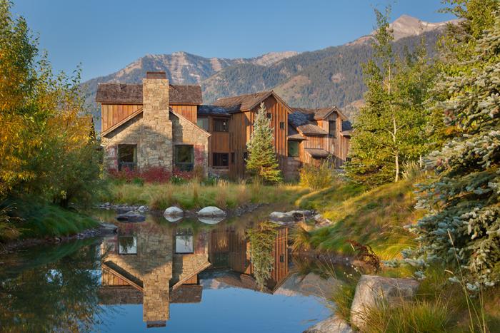 Metropolitan musings shooting star cabin interiors for Cabins in jackson hole