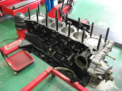 Engine shortblock, studs, gaskets and pistons