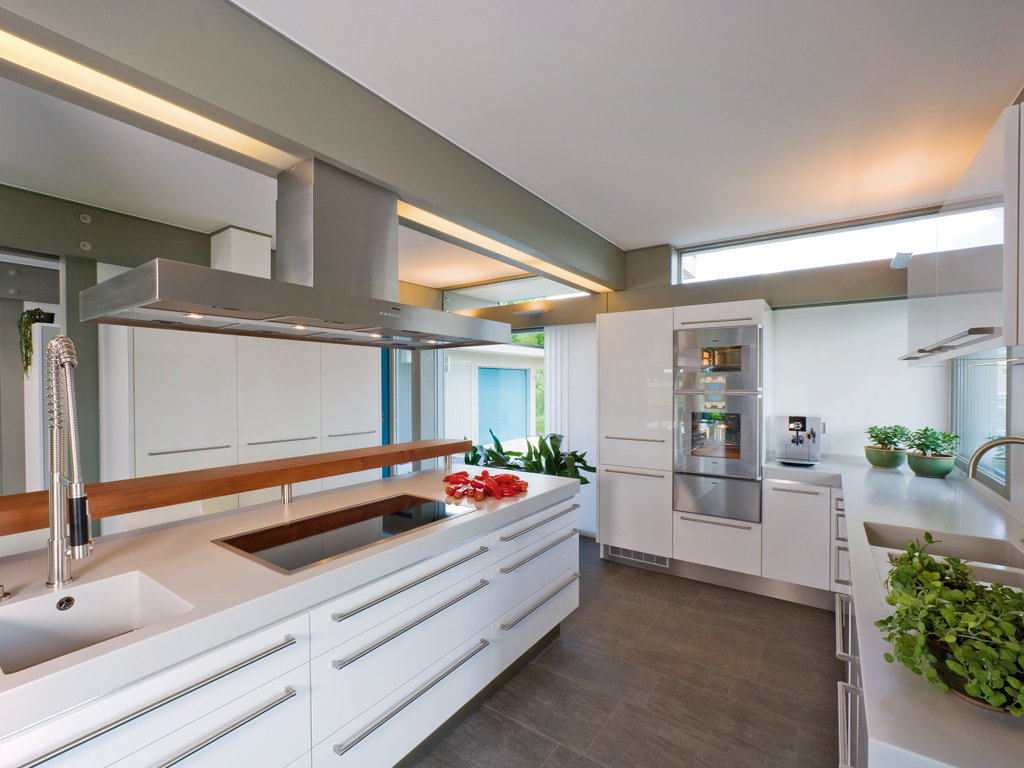 Huf haus bayberry chic for Haus kitchens