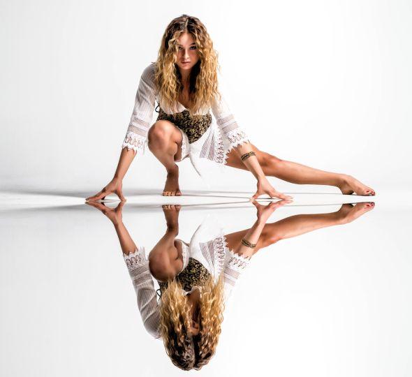 Dave Kelley fotografia mulheres modelos fashion Dimity espelhada