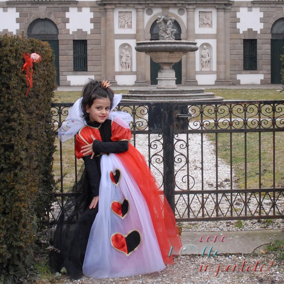 cucire costume carnevale bambina regina di cuori