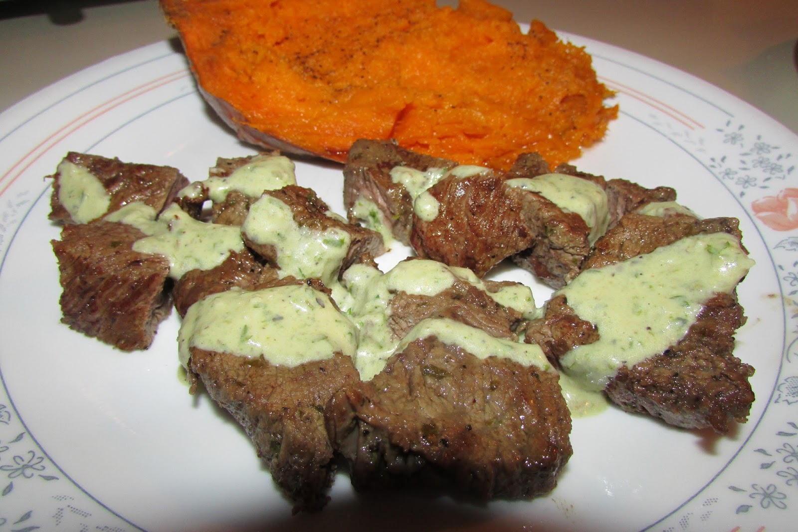 Foodie Mom: Steak tips with a Jalapeño Cucumber Chimichurri Sauce