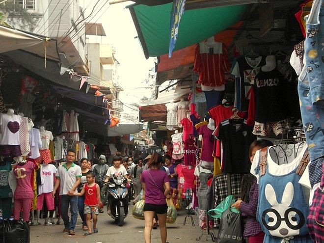 chợ ninh hiệp bán hàng quần áo