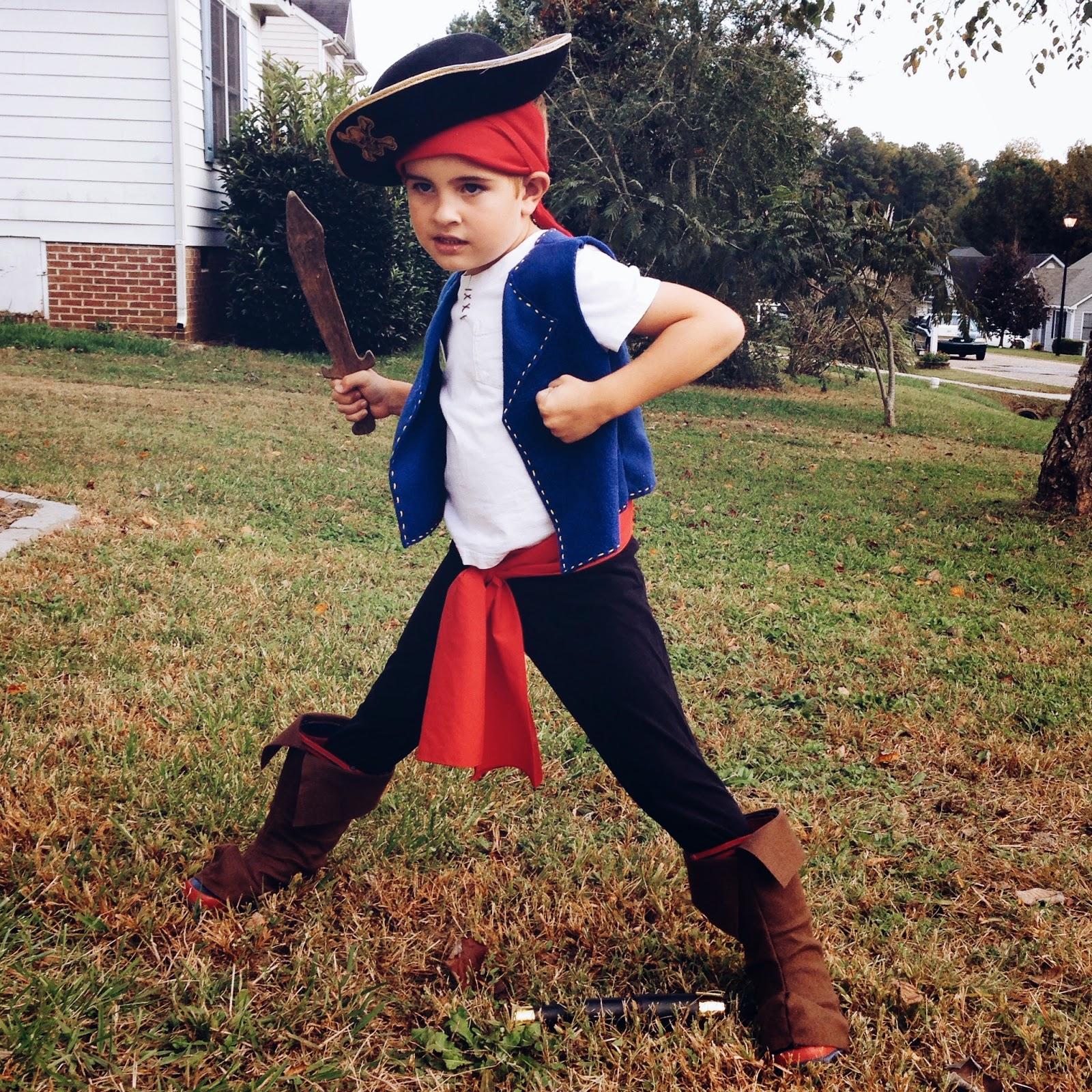 jake-pirate-costume