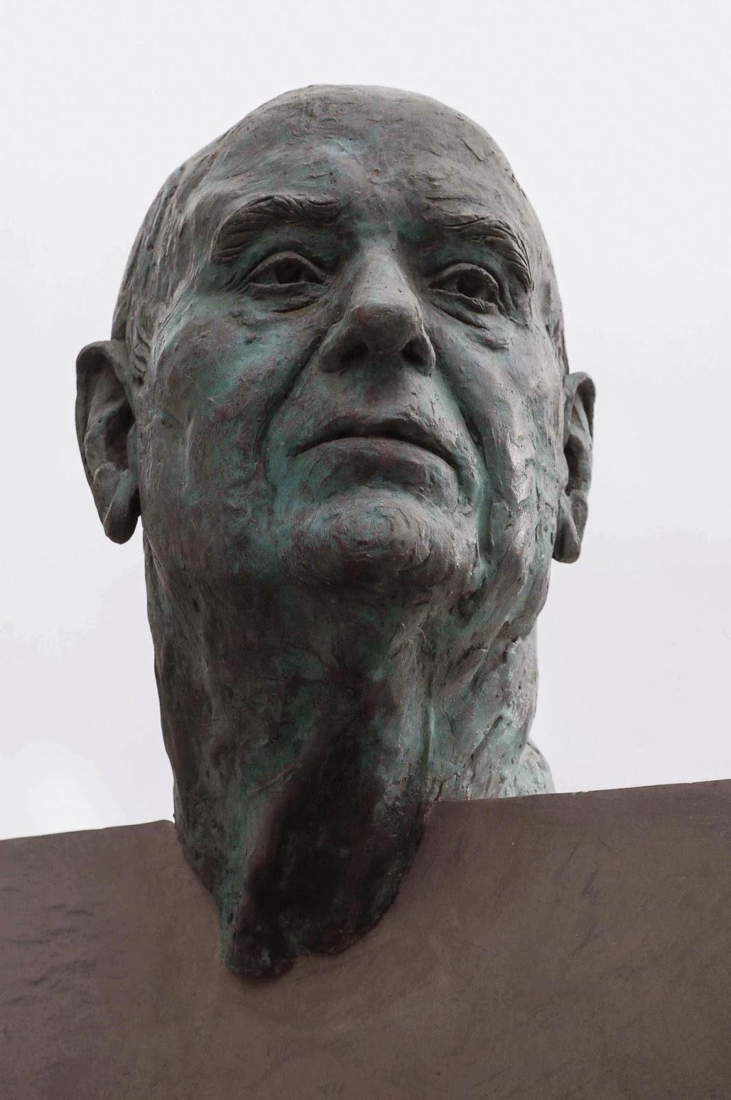 Monumento bronce Fuente Álamo Murcia Arturo Serra escultura 1